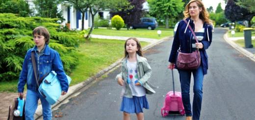 C'est qu'elle est lourde ta valise ma fille !